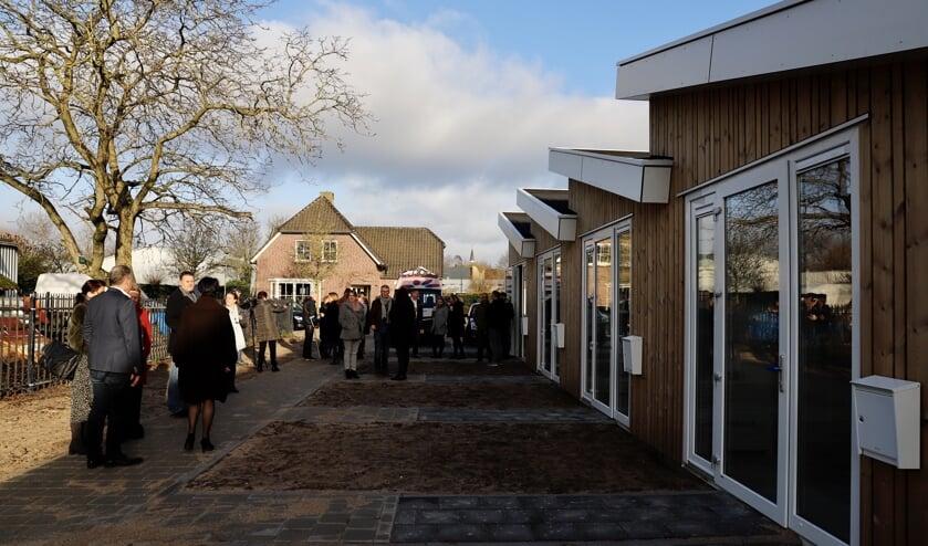 De 'Tiny Houses' aan de Kraai in Boxmeer werden afgelopen dinsdag officieel geopend.