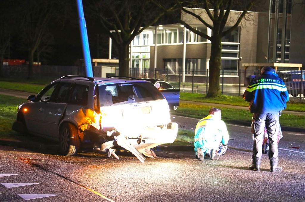 Auto's botsen op Kantsingel, politie doet onderzoek. (Foto: Gabor Heeres, Foto Mallo)  © 112 Brabantnieuws