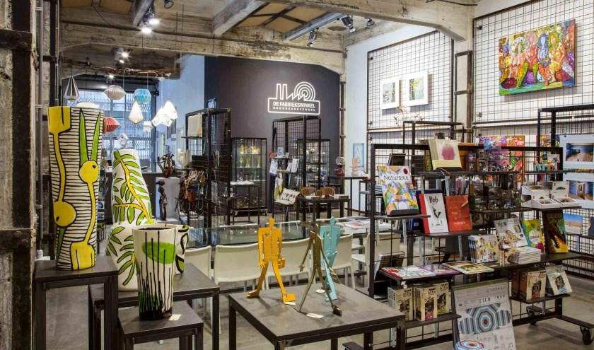 In de Fabriekswinkel is kunst en design te zien en te koop.