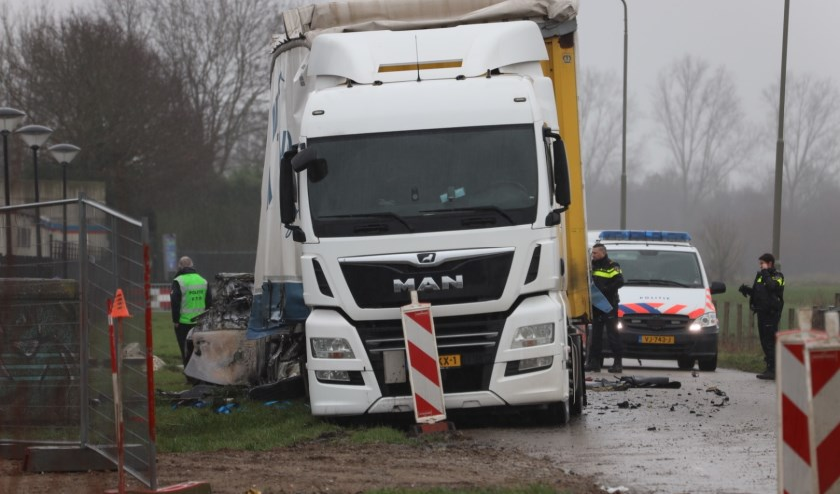 Dode bij ongeval op de Bulk in Ravenstein. (Foto: Marco van den Broek)