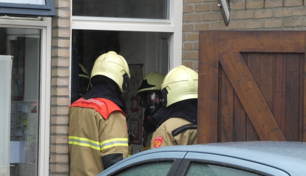 Schoorsteenbrand in Heischeutstraat. (Foto: Thomas)  © 112 Brabantnieuws