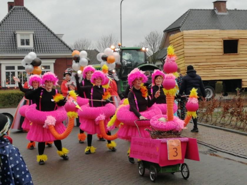 Optocht in Oijen. (Foto: Irette)