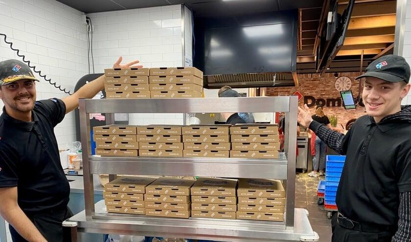 Domino's heeft voor al het zorgpersoneel in de regio gratis pizza's gebakken.