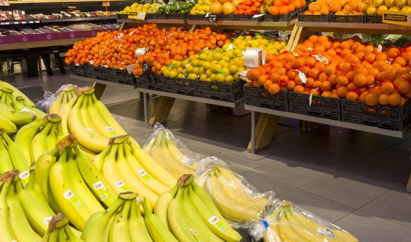 Supermarkten gaan meer maatregelen nemen om het virus tegen te gaan.