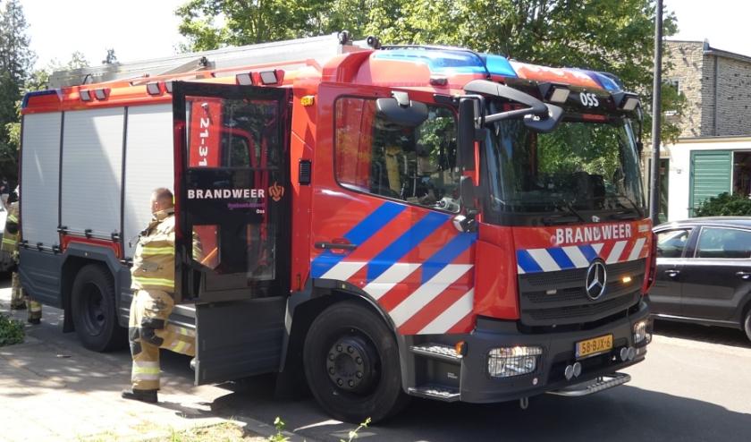 Brandweer in de Burgemeesten van den Elzenlaan. (Foto: Thomas)