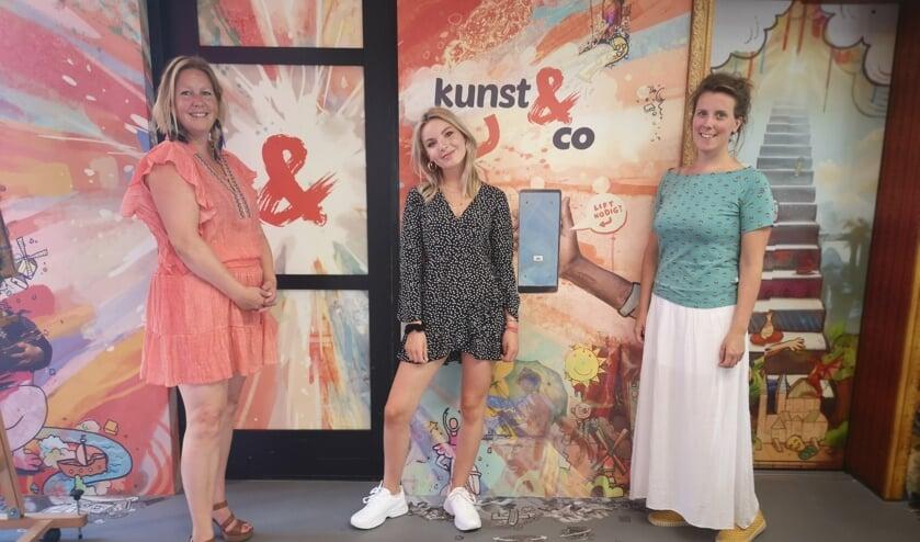 Patricia, Jazz en Floor-Anne bij Kunst & Co, de nieuwe locatie van de zangschool.