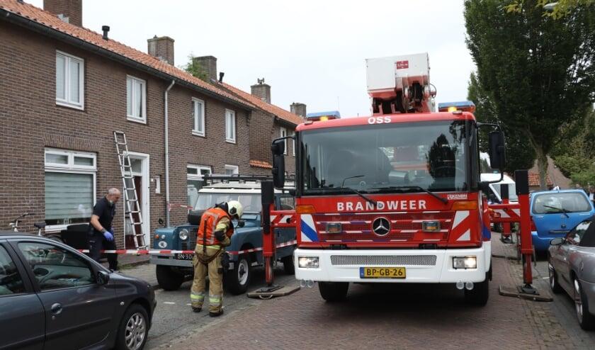 <p>Ontploffing bij woning Verlengde Tuinstraat. (Foto: Gabor Heeres, Foto Mallo)</p>