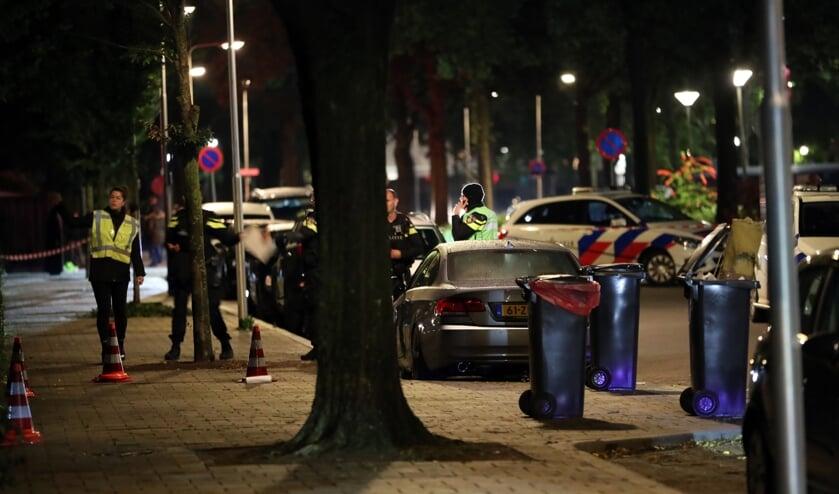 Schietpartij in de Brederostraat te Oss. (Foto: Hans van der Poel)