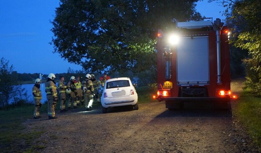 De brandweer rukte uit en ontdekte dat een vergeten handrem de oorzaak was.