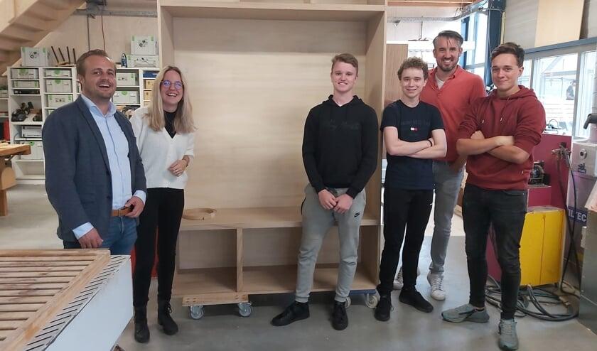 <p>Het ontwerp is gepresenteerd aan onder meer studenten, docenten en wethouder Van Heeswijk. </p>