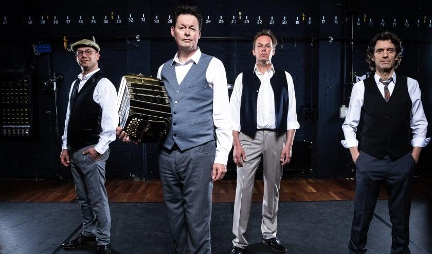 <p>Beleef een muzikale avond met het Carel Kraayenhof Quartet. De muzikale juweeltjes van Astor Piazzolla worden dan afgewisseld met persoonlijke verhalen.</p>