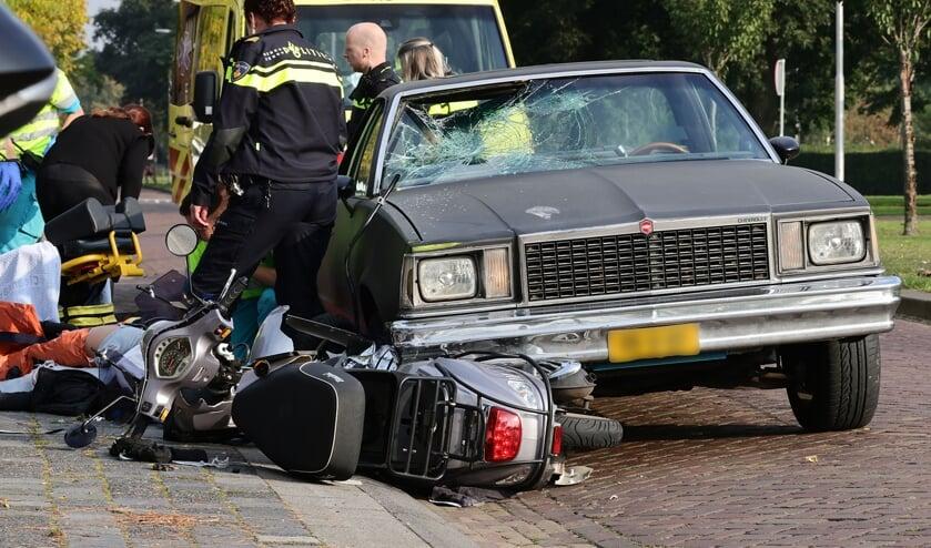 Gewonden bij ongeval op Spoorlaan. (Foto: Charles Mallo, Foto Mallo)