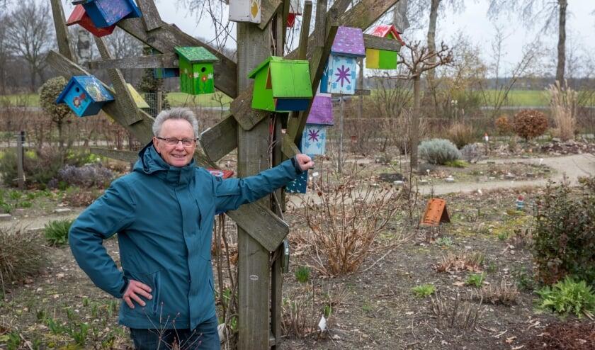 <p>Gerard van der Pas is blij met donatie.</p>