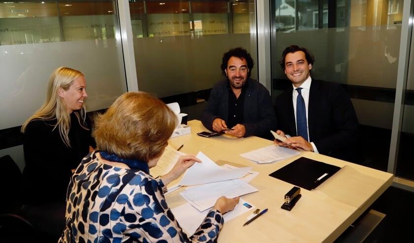 <p>Thierry Baudet kwam in Boxmeer hoogstpersoonlijk de kandidatenlijst vaststellen. (Foto: SK-Media)</p>