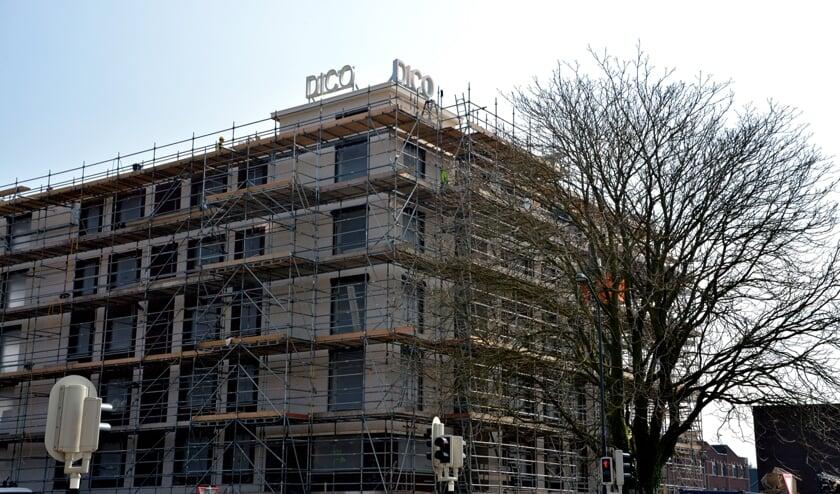 <p>Het voormalige DICO-terrein staat vol met nieuwe appartementen. (foto: Henk Lunenburg)</p>