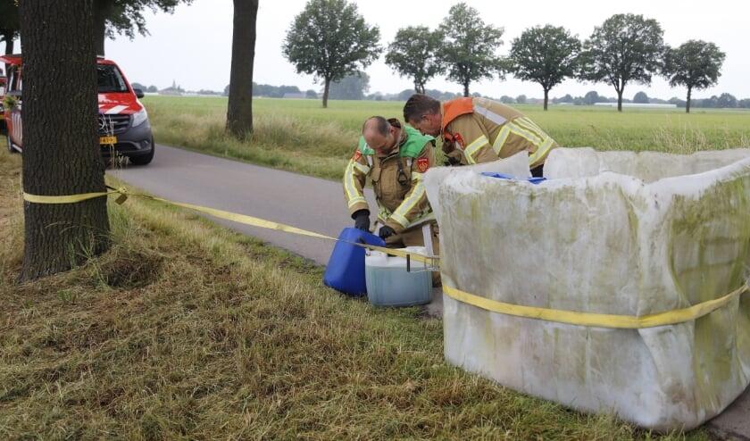 De gevonden vaten bleken afgelopen olie te bevatten.