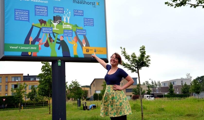 <p>Christa is al druk bezig mensen te werven voor haar partij. (foto: Henk Lunenburg)</p>