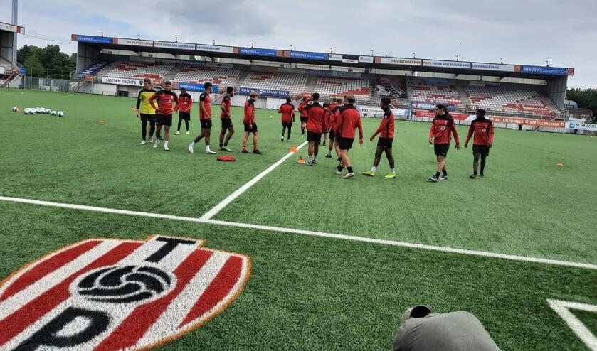 <p>TOP Oss in het eigen stadion.</p>