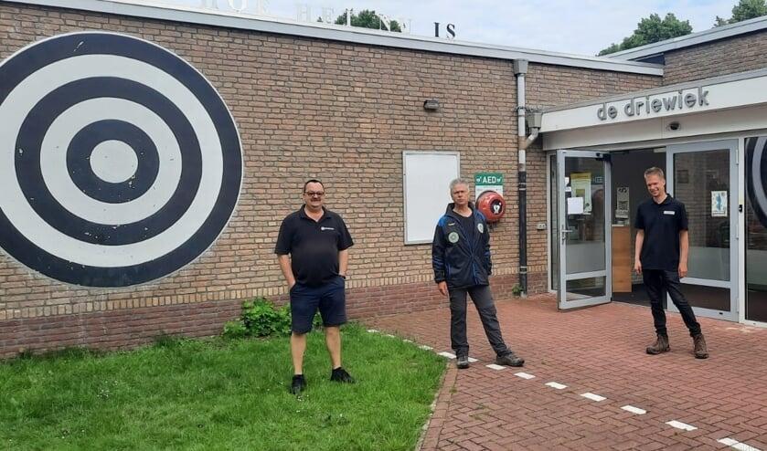 <p>Marcelino en collega&#39;s staan klaar om heel Boxmeer-Noord te verbinden.</p>