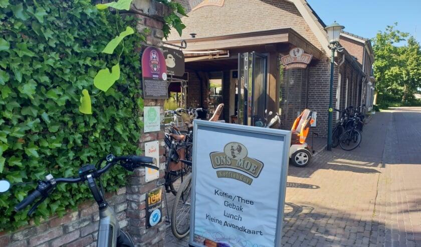 Tijdens de alternatieve 4-daagse van Oploo is Koffiehuus Ons Moe dagelijks het begin- en eindpunt van de wandelroutes.