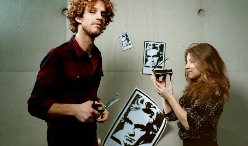 <p>Floris Kortie en Vera Kooper nemen je mee in de wereld van Ludwig van Beethoven. (Foto: Merlijn Doomern)</p>