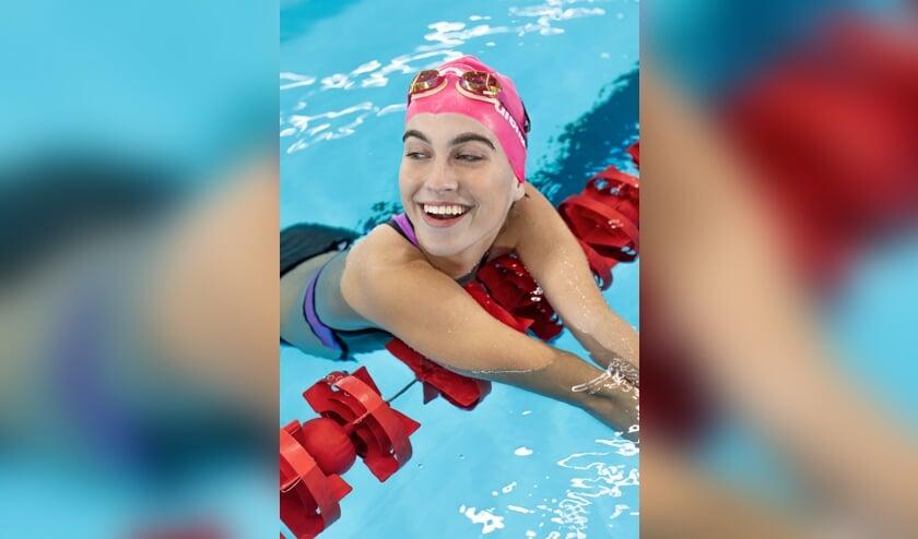 <p>&nbsp;&quot;In het water voel ik mij het beste. Vrij van alles. Mijn missie? De Spelen van 2024&quot;, aldus Rosalie van Druenen. (Foto: Lin Woldendorp)</p>