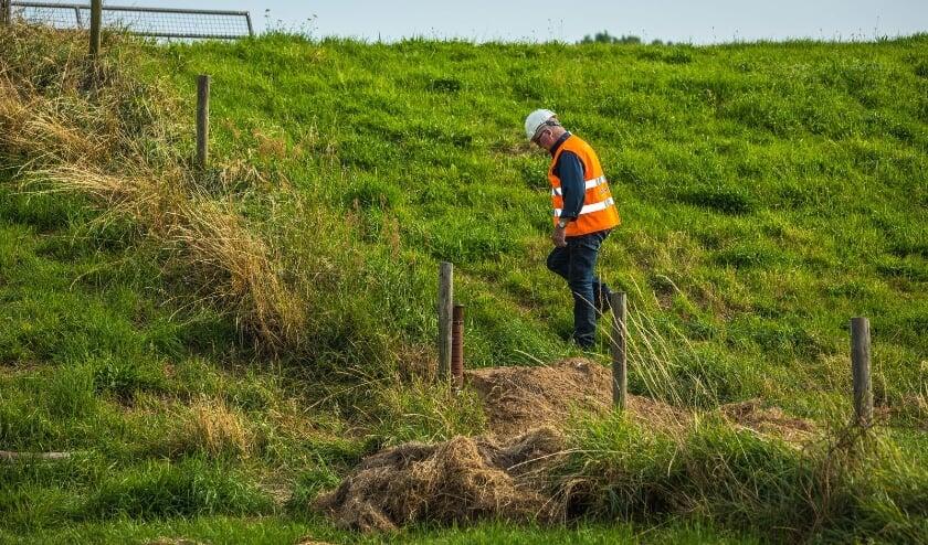 Met permanente dijkbewaking worden de dijken goed in de gaten gehouden.
