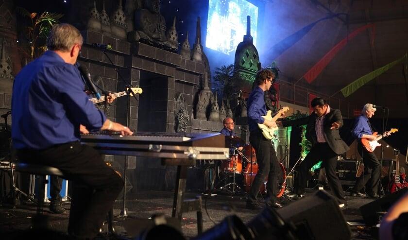 <p>Het optreden van The Explosion Rockets in zaal Kentering in Rosmalen is verplaatst naar zondag 17 oktober.</p>