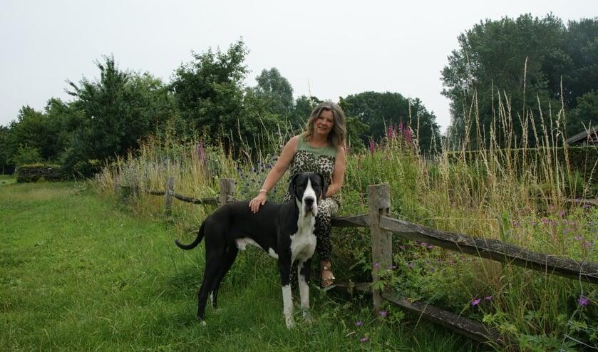 Als groot liefhebster van honden is Frederike ontzettend trots op haar baan als homeopathisch therapeute.