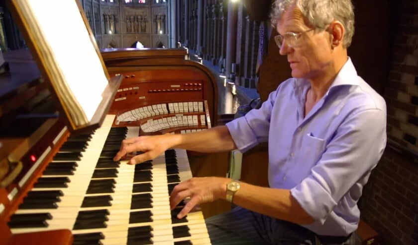 <p>Piet van der Steen waagt zich op dinsdag 27 juli aan het orgelwerk &#39;Fantaisie pour orque-aeolian&#39; van componist Camille Saint-Sa&euml;ns.</p>