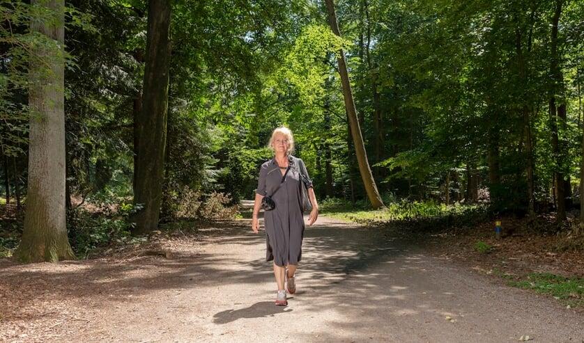 <p>Mayke Muller kreeg de diagnose MS en is toen gaan wandelen. Met professionele begeleiding keek zij wat mogelijk was.</p>