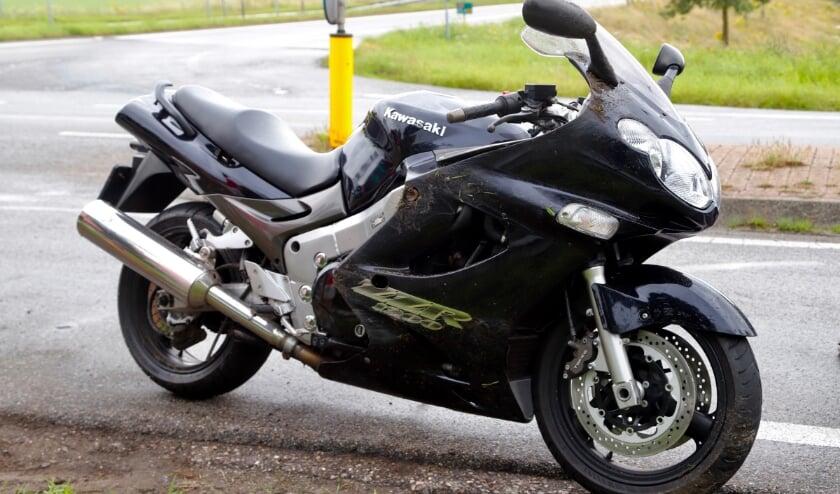 <p>De motorfiets raakte licht beschadigd.</p>