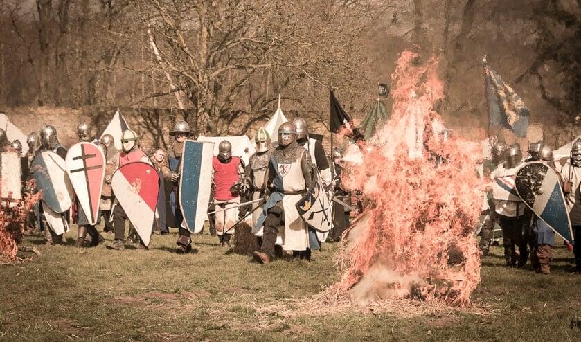 <p>&nbsp;Er zijn onder meer gevechtsdemonstraties met ridders in harnas met zwaarden.</p>