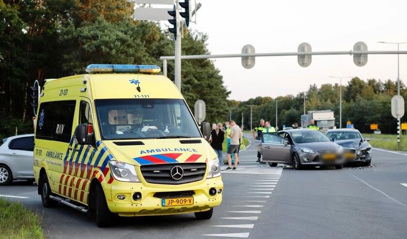 Inzittenden uit een van de betrokken auto's raakten gewond in Heijen.