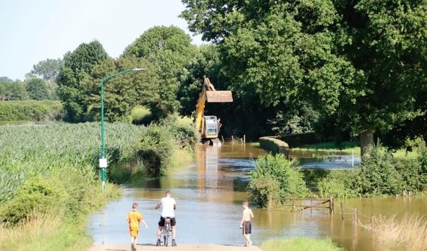 Veel agrariërs hebben waterschade geleden tijdens de recente overstroming van de Maas.