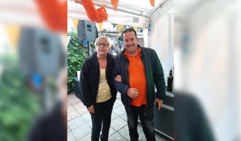 <p>De Bossche Bol XL van deze week gaat naar Liesbeth van Grunderbeek uit Den Bosch. Zij is voorgedragen door haar man Nees.</p>