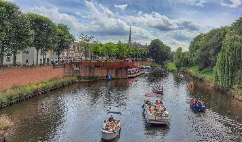Zomerse vakantietaferelen op De Dommel bij Bolwerk Den Bosch. Ingezonden door Wim Roelsma uit Engelen.