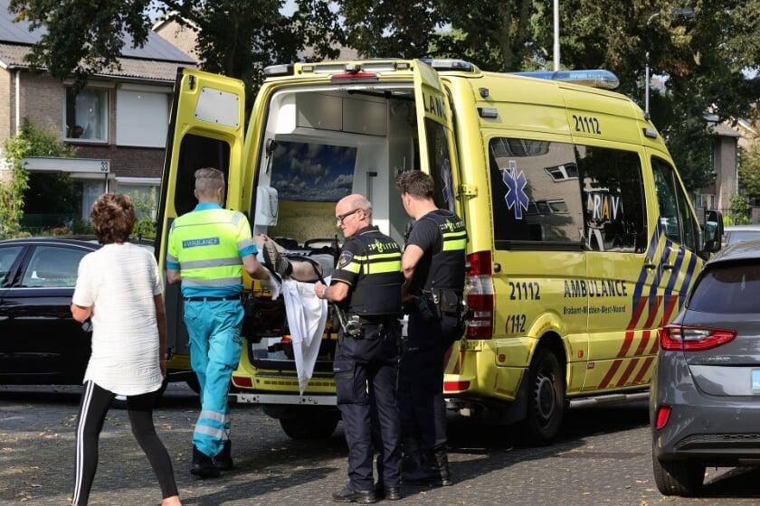 <p>Scooterrijder gewond bij ongeval op Schaepmanlaan. (Foto: Charles Mallo, Foto Mallo)</p>
