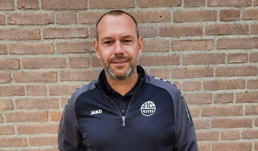 <p>Henry van der Linden, trainer van Nooit Gedacht.</p>