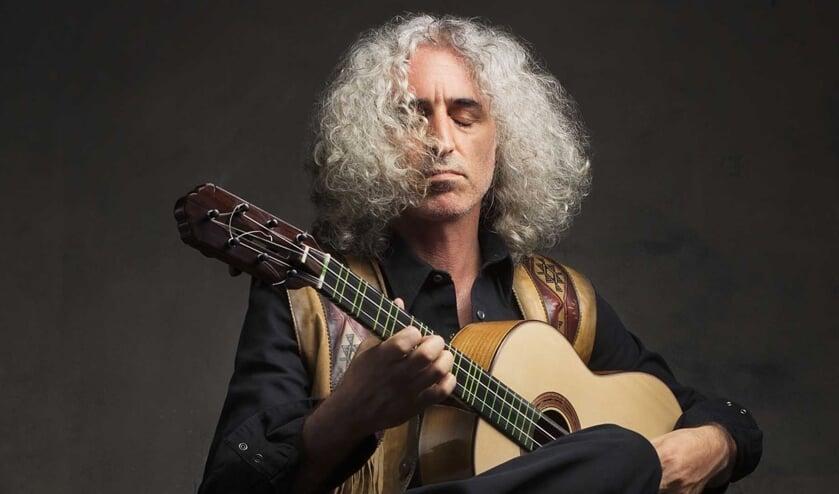 <p>Meesterinstrumentalist Ahmet Aslan komt met zijn wereldtournee &lsquo;Somewhere on Earth&rsquo; naar Den Bosch.</p>