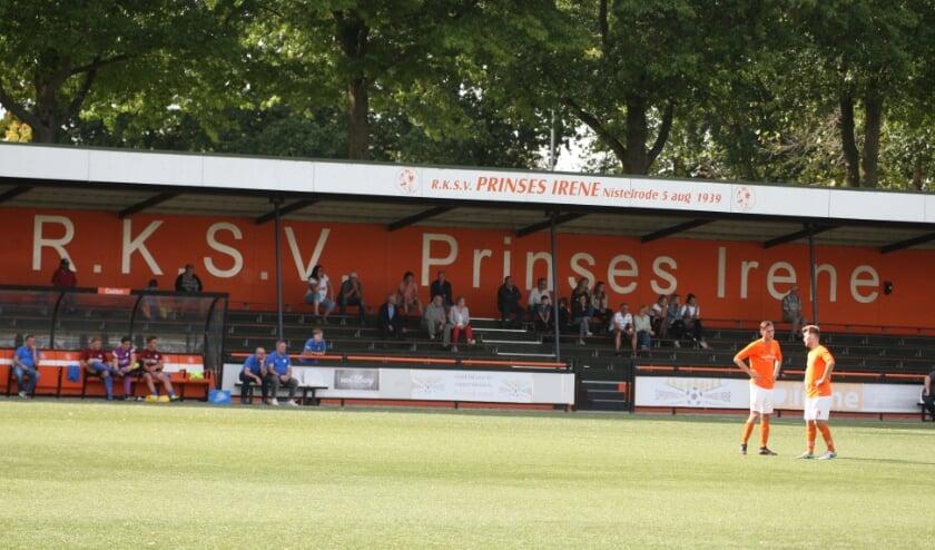 <p>Mooie derby: Prinses Irene - HVCH</p>