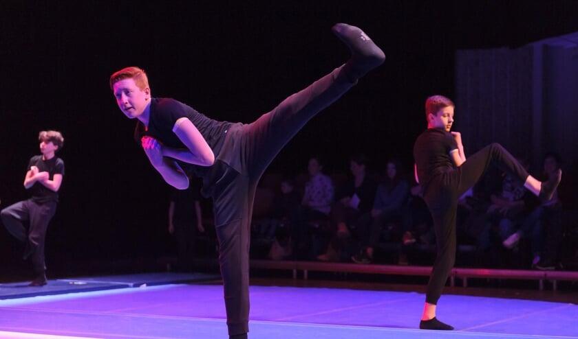 <p>Dansen verbindt, is fijn en vooral ook heel leuk om te doen. Voor jongens biedt Dans & Balletstudio Geraldine een speciale dansmethode.</p>