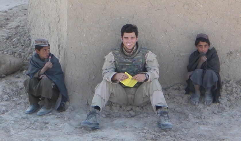 <p>Ferry van de Grint was twintig jaar toen hij naar Afghanistan ging. &quot;We hielpen dorpen om zelfstandiger te worden, zodat ze minder afhankelijk waren van de Taliban. Het is verschrikkelijk hoe het daar nu gaat.&quot;</p>