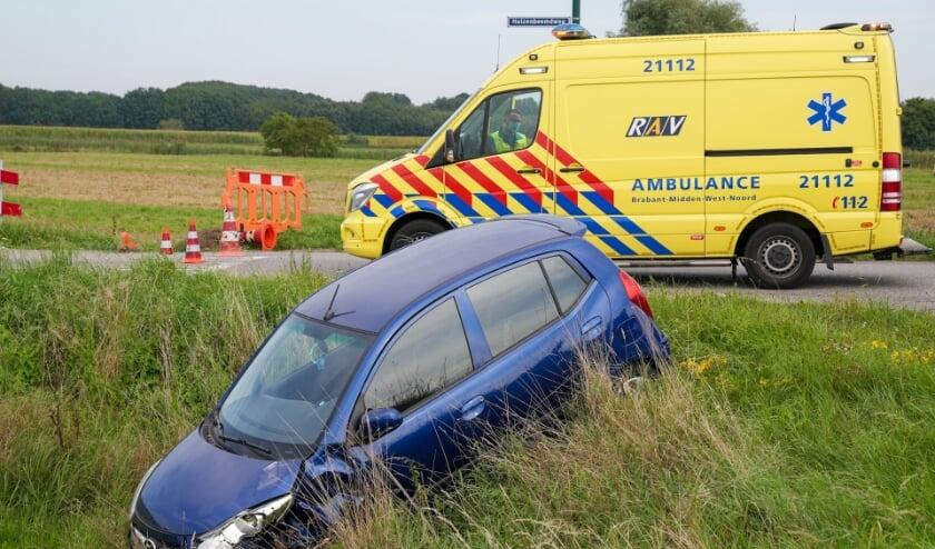 Ongeval op kruising Gewandeweg/Huizenbeemdweg. (Foto: Gabor Heeres, Foto Mallo)