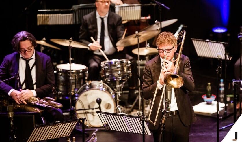 <p>Ter ere van het tienjarig jubileum speelt iedere finalist van de Conservatorium Talent Award 2021 op 30 oktober een eigen compositie met het Jazz Orchestra of the Concertgebouw!</p>