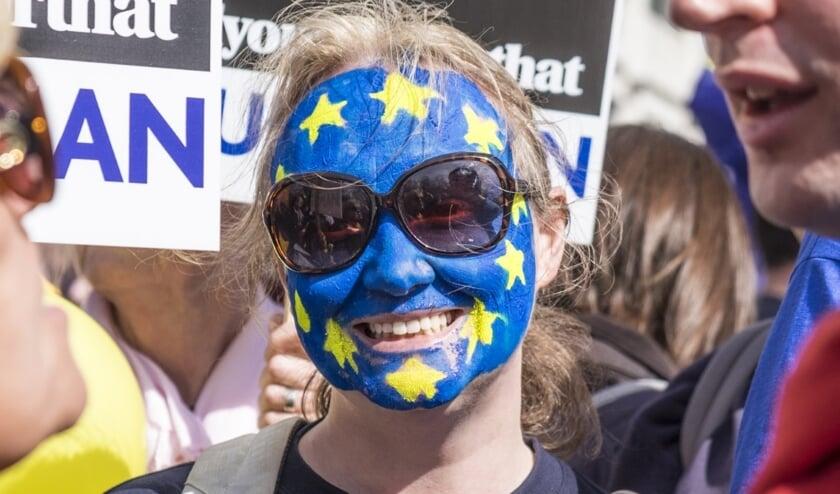 <p>Debatpodium RUW in Den Bosch laat Brabantse burgers de toekomst van Europa onderzoeken. (Foto: Huis73)</p>