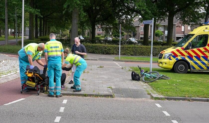Fietsster gewond bij ongeval op Vierhoeksingel. (Foto: Gabor Heeres, Foto Mallo)