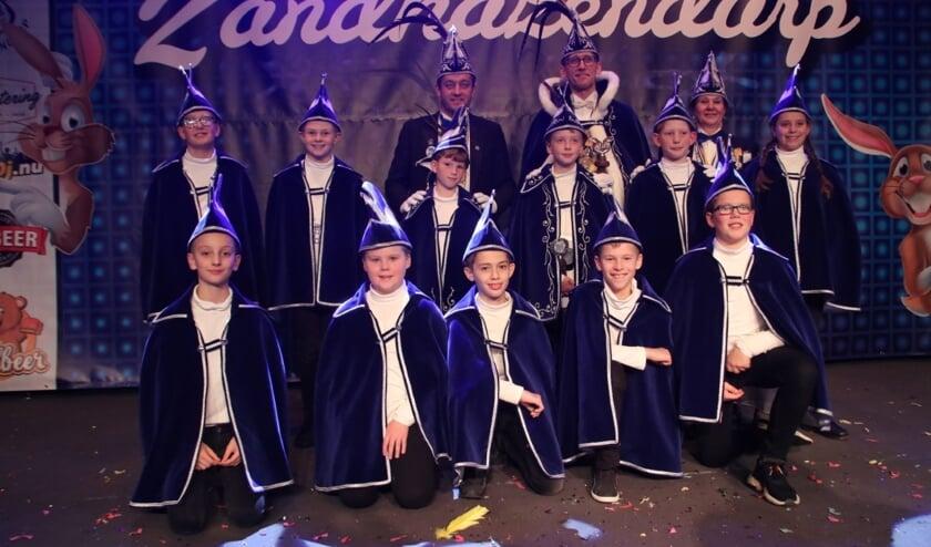 <p>De jeugdraad van XI is een gezellige club jongens en meiden die tijdens carnaval regeert over de jeugd van Zandhazendurp. Nieuwe leden -jongens &eacute;n meisjes - zijn van harte welkom.</p>