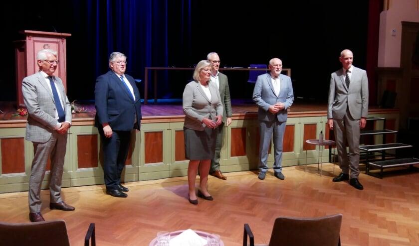 <p>De burgemeesters van, Grave, Nijmegen, Venray, Boxmeer en Sint Anthonis hebben hun handtekening gezet onder de samenwerkingsovereenkomst &lsquo;Regionale aanpak overlastgevende asielzoekers&rsquo;. </p>