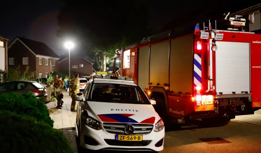 Diverse hulpdiensten waren op de Hoefstraat in Heijen.